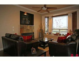 Photo 4: 7154 199TH Street in Langley: Willoughby Heights House for sale : MLS®# F2820152