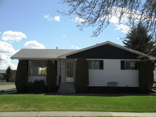 Photo 1: 239 5th Avenue Southeast in Dauphin: Residential for sale