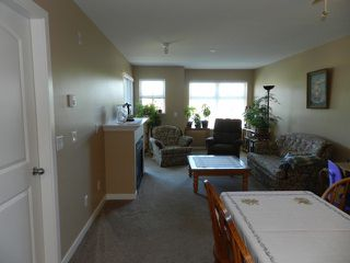 Photo 3: 348-27358 32nd Ave in Langley: Aldergrove Langley Condo for sale : MLS®# F1318039