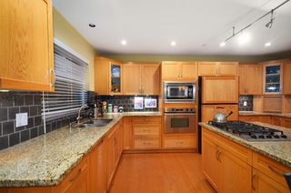 Photo 10: 2716 W 37TH Avenue in Vancouver: Kerrisdale House for sale (Vancouver West)  : MLS®# V1031547