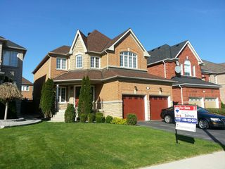 Photo 1: 5907 Bassinger Place in Mississauga: Churchill Meadows House (2-Storey) for sale : MLS®# W3189561