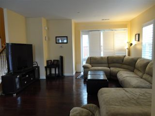 Photo 2: SOUTHWEST ESCONDIDO House for sale : 3 bedrooms : 1472 Mosaic Glen in Escondido