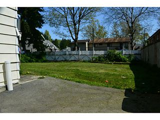 Photo 12: 9312 123A Street in Surrey: Queen Mary Park Surrey House for sale : MLS®# F1443157