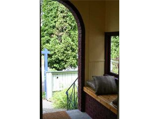 """Photo 2: 1024 KEEFER Street in Vancouver: Mount Pleasant VE House for sale in """"STRATHCONA"""" (Vancouver East)  : MLS®# R2009370"""
