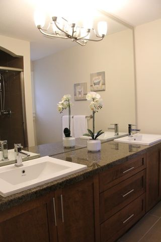 """Photo 8: 41 22225 50TH Avenue in Langley: Murrayville Townhouse for sale in """"Murray's Landing"""" : MLS®# R2045874"""