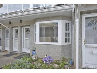 Photo 1: 66 2600 Ferguson Rd in SAANICHTON: CS Turgoose Row/Townhouse for sale (Central Saanich)  : MLS®# 726091