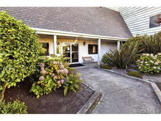 Photo 12: 112 1490 Garnet Road in VICTORIA: SE Cedar Hill Condo Apartment for sale (Saanich East)  : MLS®# 368666