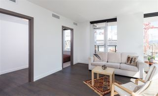 """Photo 6: 1756 38 SMITHE Street in Vancouver: Downtown VW Condo for sale in """"ONE PACIFIC"""" (Vancouver West)  : MLS®# R2106045"""