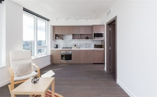 "Photo 3: 1756 38 SMITHE Street in Vancouver: Downtown VW Condo for sale in ""ONE PACIFIC"" (Vancouver West)  : MLS®# R2106045"
