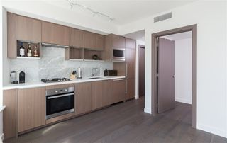 "Photo 5: 1756 38 SMITHE Street in Vancouver: Downtown VW Condo for sale in ""ONE PACIFIC"" (Vancouver West)  : MLS®# R2106045"