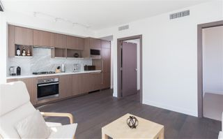 "Photo 4: 1756 38 SMITHE Street in Vancouver: Downtown VW Condo for sale in ""ONE PACIFIC"" (Vancouver West)  : MLS®# R2106045"