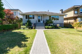 Photo 3: 15360 ROYAL Avenue: White Rock House for sale (South Surrey White Rock)  : MLS®# R2115146