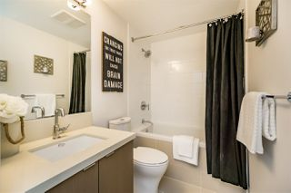 """Photo 8: 501 384 E 1ST Avenue in Vancouver: Mount Pleasant VE Condo for sale in """"CANVAS"""" (Vancouver East)  : MLS®# R2122429"""
