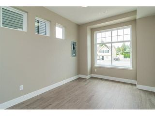 Photo 3: 2710 MCMILLAN Road in Abbotsford: Abbotsford East House for sale : MLS®# R2152600