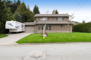 Main Photo: 1015 WESTMOUNT Drive in Port Moody: College Park PM House for sale : MLS®# R2161576