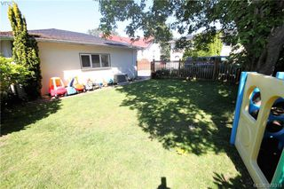 Photo 19: 2432 Richmond Rd in VICTORIA: Vi Jubilee Half Duplex for sale (Victoria)  : MLS®# 761847