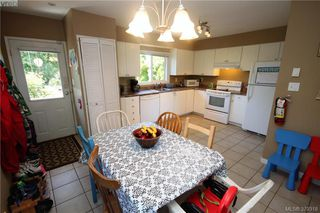 Photo 7: 2432 Richmond Rd in VICTORIA: Vi Jubilee Half Duplex for sale (Victoria)  : MLS®# 761847