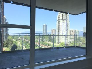 """Photo 7: 702 4360 BERESFORD Street in Burnaby: Metrotown Condo for sale in """"Modello"""" (Burnaby South)  : MLS®# R2182930"""