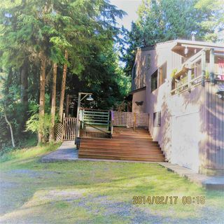 Photo 2: 966 WINDJAMMER Road: Bowen Island House for sale : MLS®# R2184857