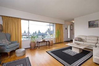 Photo 3: 528 E 7TH Street in North Vancouver: Lower Lonsdale House for sale : MLS®# R2210510