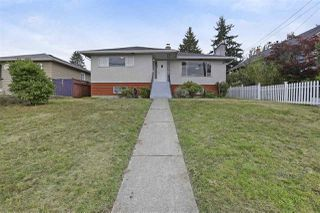 Photo 2: 528 E 7TH Street in North Vancouver: Lower Lonsdale House for sale : MLS®# R2210510