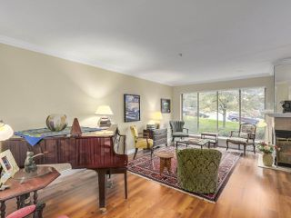 "Photo 2: 49 323 GOVERNORS Court in New Westminster: Fraserview NW Townhouse for sale in ""GOVERNORS COURT"" : MLS®# R2213153"
