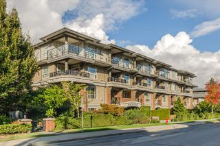 "Photo 1: 401 15357 17A Avenue in Surrey: King George Corridor Condo for sale in ""Madison"" (South Surrey White Rock)  : MLS®# R2213852"