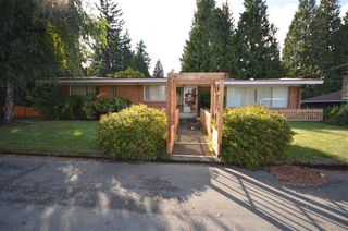 Photo 2: 2283 CLARKE Drive in Abbotsford: Central Abbotsford House for sale : MLS®# R2213931