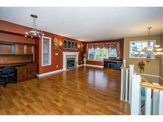 "Photo 3: 27945 JUNCTION Avenue in Abbotsford: Aberdeen House for sale in ""~Station~"" : MLS®# R2216162"
