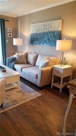 Photo 2: 410 3277 Glasgow Avenue in VICTORIA: SE High Quadra Condo Apartment for sale (Saanich East)  : MLS®# 386521