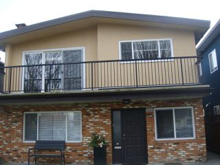 Photo 1: 3266 WILLIAM Street in Vancouver: Renfrew VE House for sale (Vancouver East)  : MLS®# R2248649