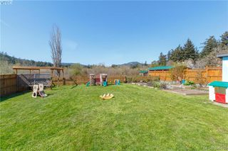 Photo 17: 2740 Sooke Road in VICTORIA: La Glen Lake Single Family Detached for sale (Langford)  : MLS®# 390455