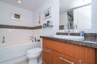 "Photo 14: 306 1650 W 7TH Avenue in Vancouver: Fairview VW Condo for sale in ""THE VIRTU"" (Vancouver West)  : MLS®# R2266835"
