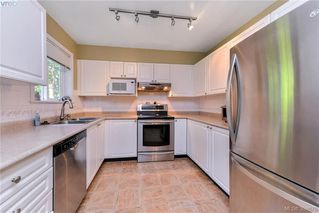 Photo 4: 72 14 Erskine Lane in VICTORIA: VR Hospital Townhouse for sale (View Royal)  : MLS®# 394679