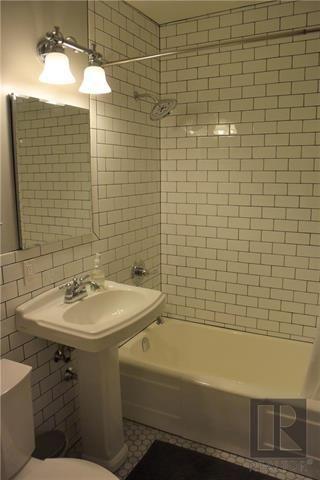 Photo 10: 882 Banning Street in Winnipeg: Residential for sale (5C)  : MLS®# 1821945