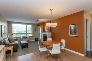 Photo 6: 312 701 KLAHANIE Drive in Port Moody: Port Moody Centre Condo for sale : MLS®# R2299444