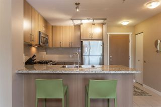 Photo 5: 312 701 KLAHANIE Drive in Port Moody: Port Moody Centre Condo for sale : MLS®# R2299444