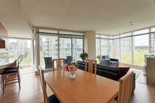 "Photo 9: 701 1650 BAYSHORE Drive in Vancouver: Coal Harbour Condo for sale in ""BAYSHORE GARDENS"" (Vancouver West)  : MLS®# R2304976"