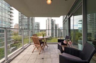 "Photo 14: 701 1650 BAYSHORE Drive in Vancouver: Coal Harbour Condo for sale in ""BAYSHORE GARDENS"" (Vancouver West)  : MLS®# R2304976"