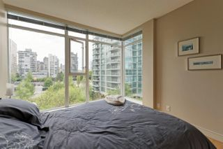 "Photo 16: 701 1650 BAYSHORE Drive in Vancouver: Coal Harbour Condo for sale in ""BAYSHORE GARDENS"" (Vancouver West)  : MLS®# R2304976"