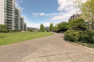 "Photo 19: 701 1650 BAYSHORE Drive in Vancouver: Coal Harbour Condo for sale in ""BAYSHORE GARDENS"" (Vancouver West)  : MLS®# R2304976"