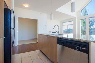 Photo 7: 418 15322 101 Avenue in Surrey: Guildford Condo for sale (North Surrey)  : MLS®# R2305760