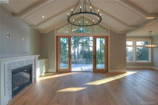 Photo 8: 8607 Emard Terrace in NORTH SAANICH: NS Bazan Bay Single Family Detached for sale (North Saanich)  : MLS®# 400001