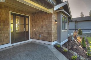 Photo 5: 8607 Emard Terrace in NORTH SAANICH: NS Bazan Bay Single Family Detached for sale (North Saanich)  : MLS®# 400001