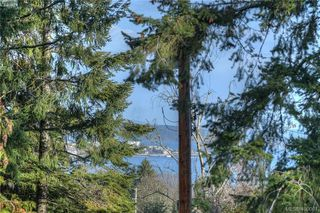 Photo 13: 8607 Emard Terrace in NORTH SAANICH: NS Bazan Bay Single Family Detached for sale (North Saanich)  : MLS®# 400001