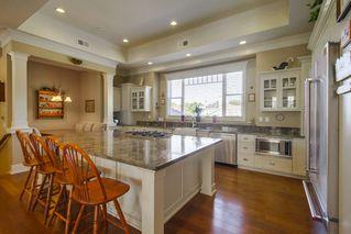 Photo 3: SOUTH ESCONDIDO House for sale : 5 bedrooms : 751 Gretna Green Way in Escondido