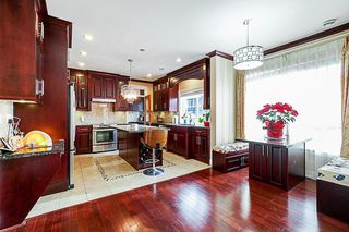 Photo 6: 13258 62A Avenue in Surrey: Panorama Ridge House for sale : MLS®# R2330973