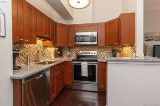 Main Photo: 201 1425 Fort Street in VICTORIA: Vi Rockland Condo Apartment for sale (Victoria)  : MLS®# 405801