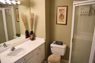 "Photo 14: 410 13900 HYLAND Road in Surrey: East Newton Townhouse for sale in ""Hyland Grove"" : MLS®# R2342977"