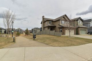 Photo 29: 3196 WHITELAW Drive in Edmonton: Zone 56 House for sale : MLS®# E4152456